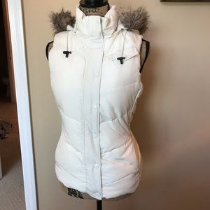 Banana Republic puffer quilted faux fur vest